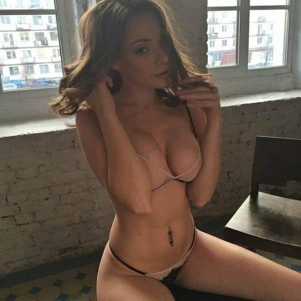 Geile Show beim Sex Chat mit dieser scharfen Frauen und ihren sexy Titten