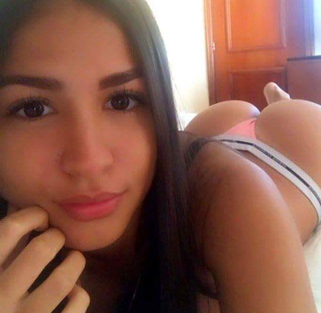 Heisse Girls ziehen sich aus vor der Sexcam