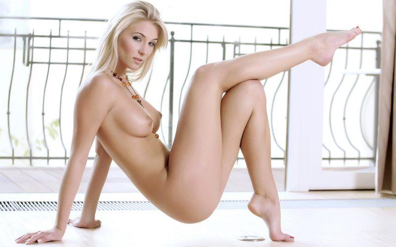 Live Striptease beim Camchat von diesem sexy Camgirl